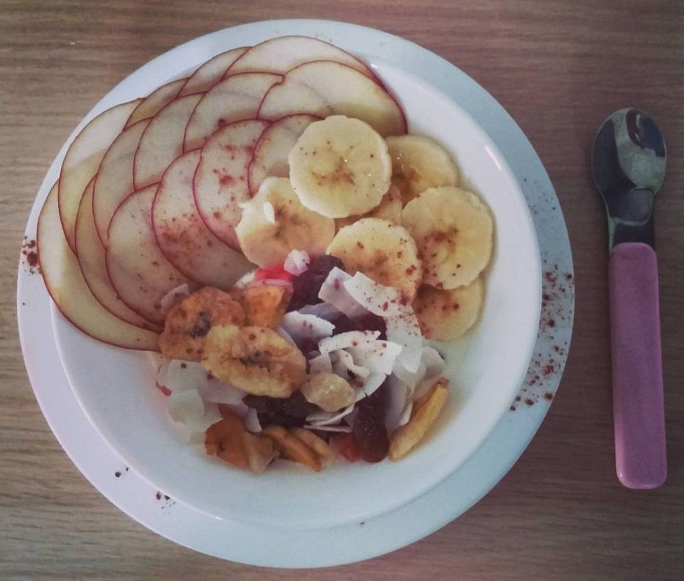 #goodmorning #breakfast #yogurt #mix #fruit #driedfruit #banana #apple #mela #cinnamon #healthy #food #lightfood #wayoflife #dukan #quartafase #diet #vividulight