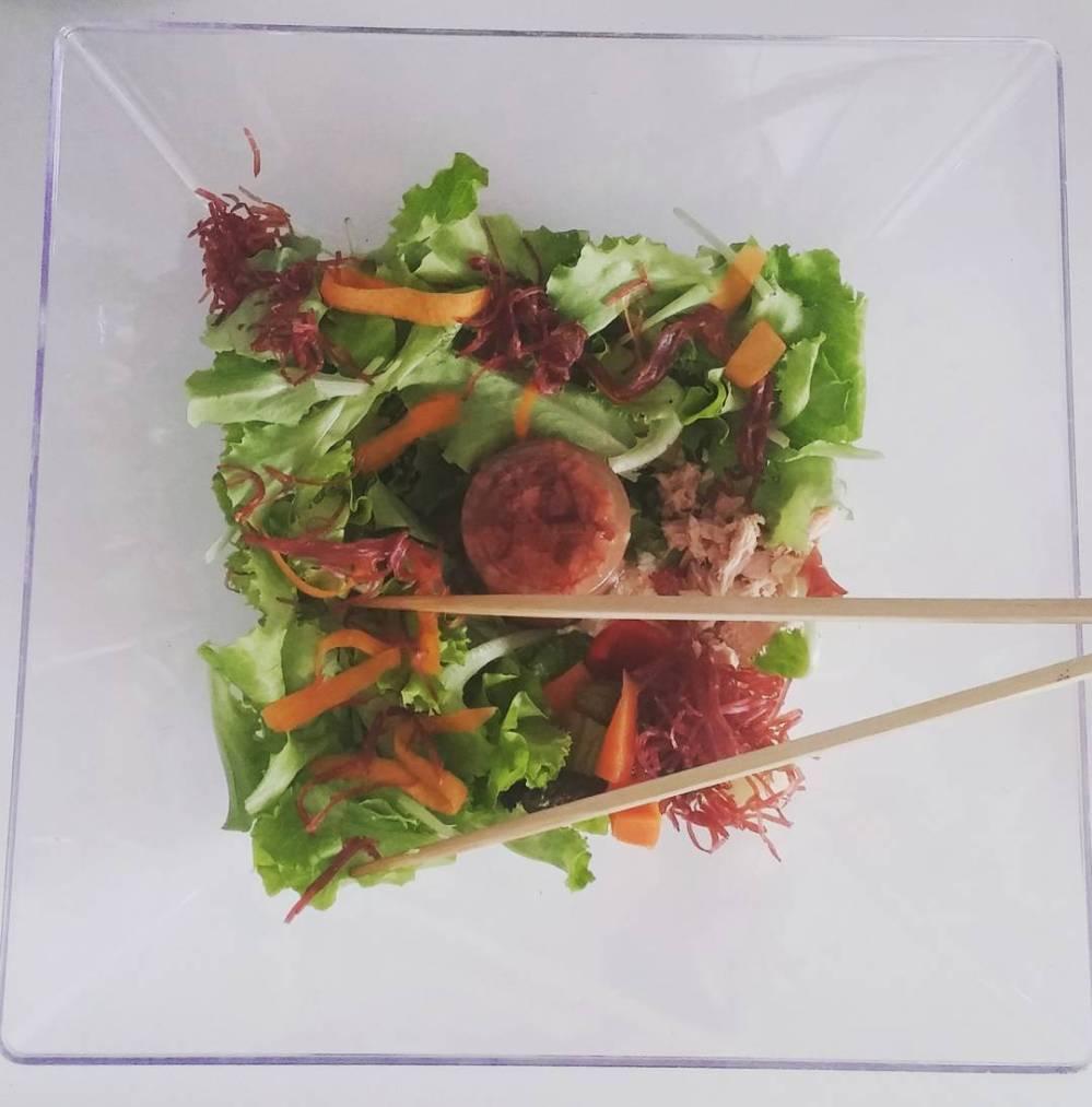 #salad #lunch #instafood #light #lightfood #dukan #diet #dieta #fitness #healthy #simmenthal #sfilacci #tuna #carrot #milkflakes #fiocchidilatte #poppyseed #cucinadulight #vividulight #summer