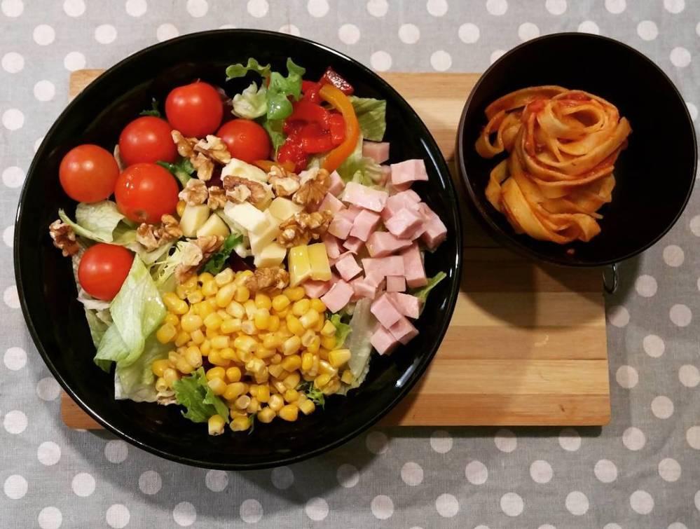 #lunch #salad #pasta #tomatoes #corn #ham #tuna #walnut #dukan #diet #quartafase #newlife #cibosalutare #cucinando #cucinadicoppia #lightfood #cucinadulight