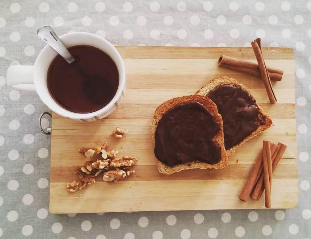 #breakfast #goodmorning #risveglio #panetostato #bread #jctella #the #cannella #cinnamon #noci #walnut #dukan #diet #lightfood #quartafase #fitness #cucinaproteica #cucinadulight