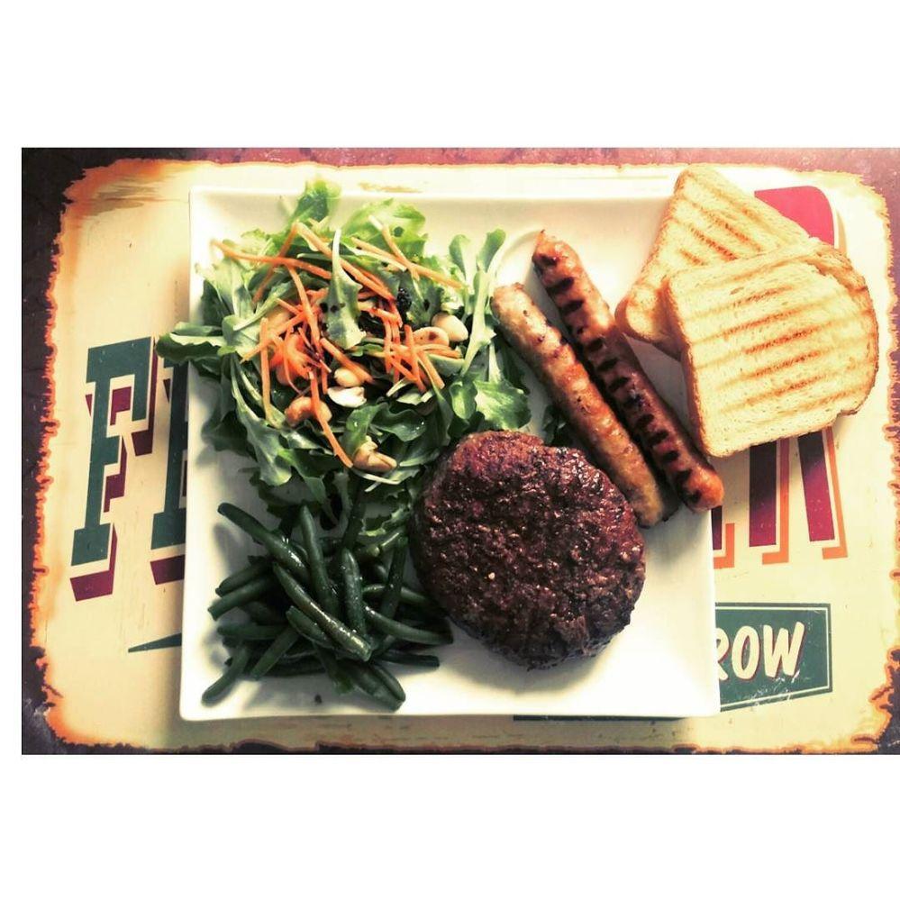 #dulight #cucinadulight #dukandiet #dukan #lunch #hamburger #sausage #salad #mix #healthy #healthyfood