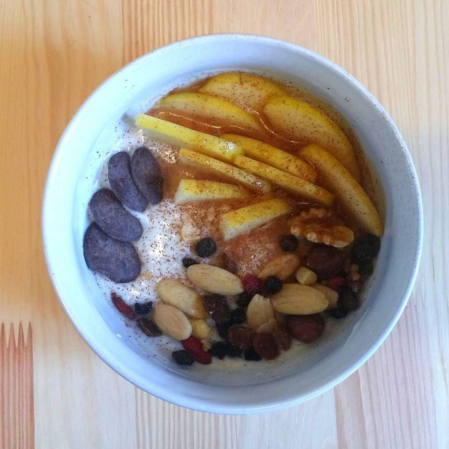#dukan #dukandiet #dulight #cucinadulight #weightloss #healthy #healthyfood #fitness #yogurt #raisin #almonds #apple #cinnamon #chocolatebuttons #myprotein