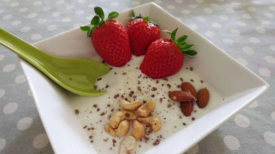 #breakfast #spring #strawberry #anacardi #almond #yogurt #lightfood #healthyfood #fruit #dukan #diet #quartafase #fitness #cucinaproteica #cucinadulight