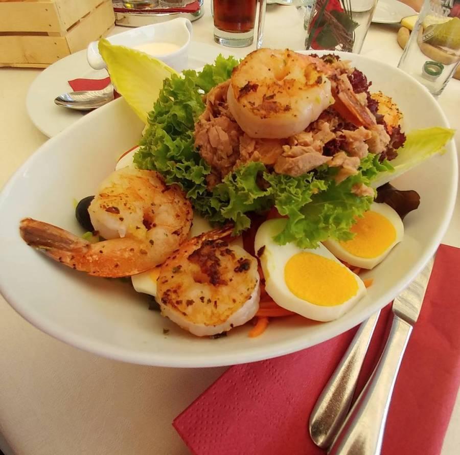 #tirolo #salad #insalatona #gamberi #uovo #olive #carote #cetrioli #tonno #dukan #diet #quartafase #lowfat #lowcarb #highprotein #cucinaproteica #mountain