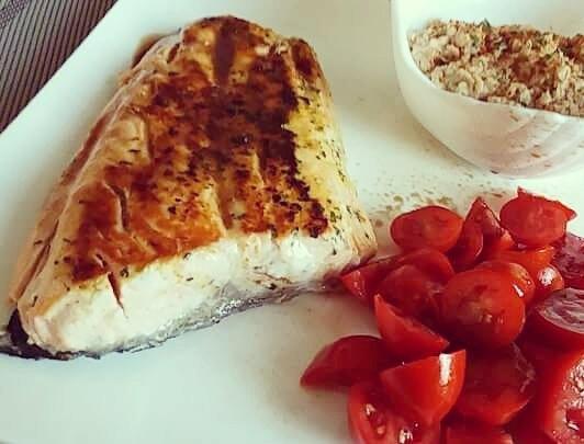 #dukandiet #dulight #cucinadulight #Dukan #salmon #fillet #tomato #salad #oatbran #fitness #healthyfood #healthy