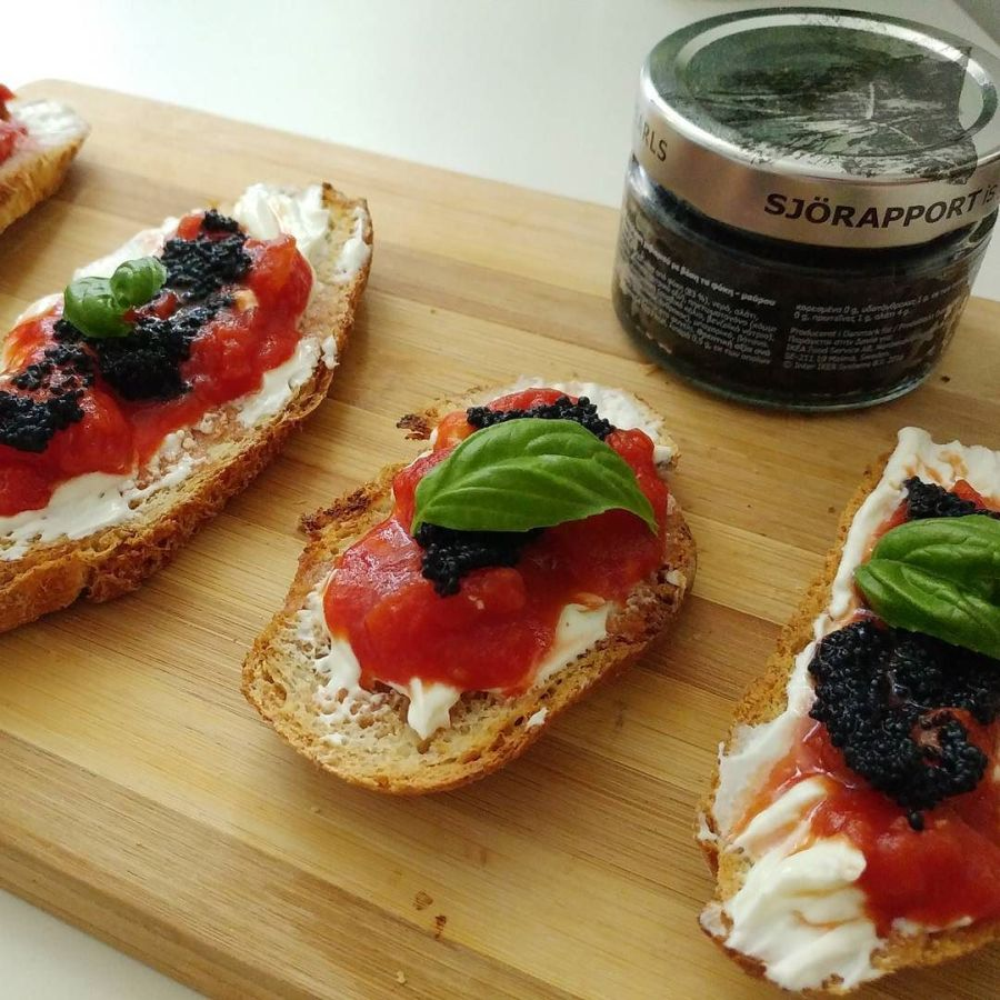 #bruschetta #vegetarian #blackseaweed #cavialedialghe #ikea #pomodoro #basilico #bottegasvedese #spuntino #cucinaproteica #dukan #diet #quartafase #cucinadulight