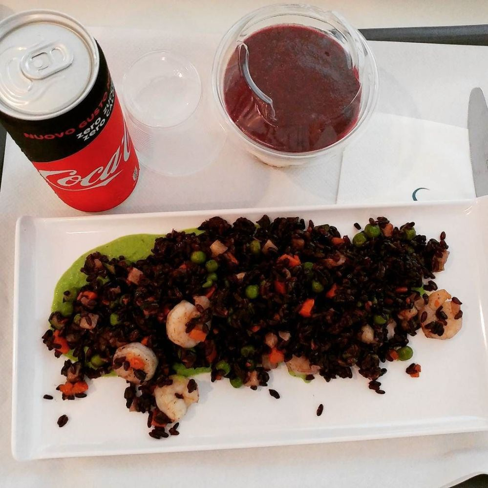 Una bellissima giornata alle terme di Sirmione e un ottimo pranzo preparato dallo chef! #aquaria #termedisirmione #brescia #lagodigarda #gardalake #risovenere #gamberetti #cremadipiselli #menta #verdure #cheesecake #fruttidibosco #cocacola #cocazero #dukan #diet #quartafase #weightloss #wayoflife #chef #cheflife #foodblogger #cucinaproteica #cucinadulight
