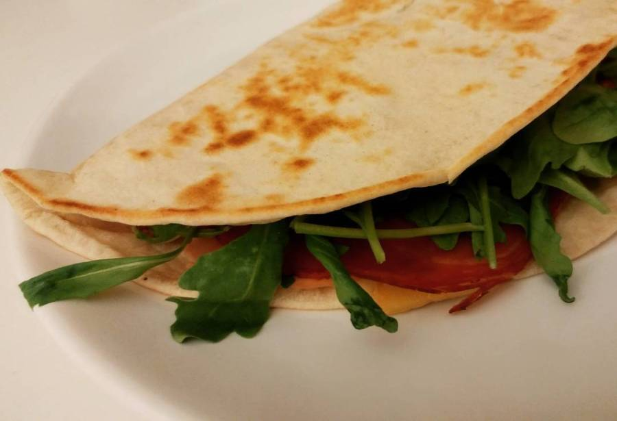 #piadina #speck #fontina #rucola #dukan #diet #quartafase #lightfood #fitfood #fitness #chef #cheflife #youtubers #youtubechannel. #videoricette #cucinaproteica #cucinadulight