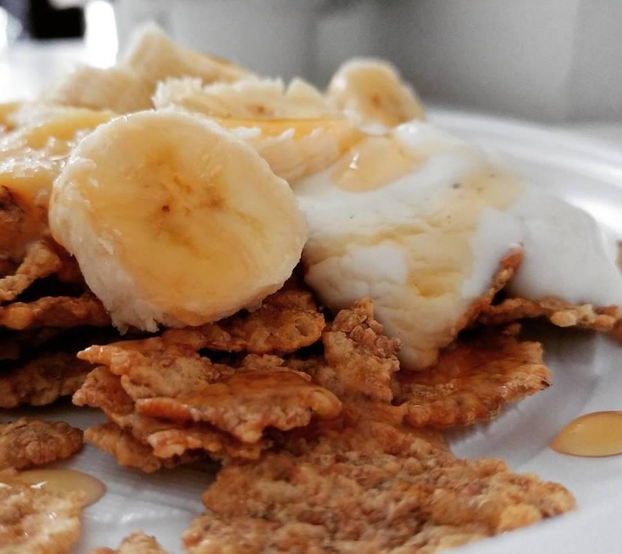 Con la bimba a casa malata ci vuole una super colazione!😨 Cereali integrali, purea di pera, banana, skyr alla vaniglia.❤ #breakfast #morning #cereali #fitness #banana #skyr #vaniglia #purea #pera #dukan #diet #quartafase #fitlife #energy #wayoflife #cucinaproteica #cucinadulight