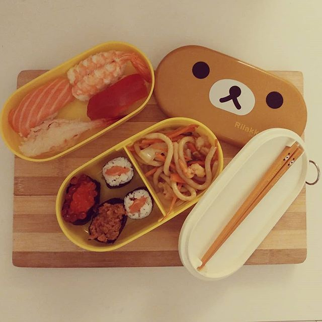 #sushi #rilakkuma #bento #bentobox #japan #japanfood #cartoon #manga #dukan #diet #quartafase #dieta #consapevolezza #weightloss #benessere #fitness #fish #salmone #tonno #gamberi #crudite #rice #japantown #cucinaproteica #cucinadulight