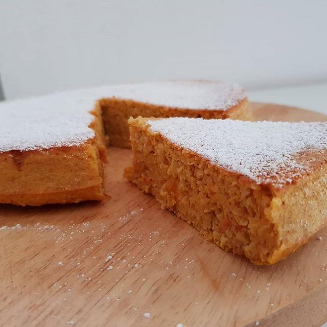 Salagadula megicabula bibbidi-bobbidi-bu Fa la magia tutto quel che vuoi tu Bibbidi-bobbidi-bu...e la zucca si trasforma in una torta, insieme alla carota!😁🤩 Sulla pagina fb di cucina dulight trovate la ricetta completa!! #cake #carrotcake #zucca #preparati #dukan #diet #dieta #fitness #light #food #chef #benessere #dietadukanitalia #cucinaproteica #cucinadulight