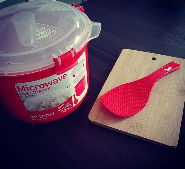 Microwave rice steamer...nuovo acquisto! Stasera lo proviamo col risino di konjac @zenpasta addobbato con gamberi e salmone affumicato! 10 minuti in micro e la cena è servita! Iscrivetevi al nostro gruppo Dieta Dukan Italia su Fb per consigli e ricette!🌞😃 #micro #microwave #rice #steamer #riso #konjac #zenpasta #momentozen #salmone #gamberi #dukan #diet #dieta #benessere #stiledivita #informa #lightfood #protein #fitness #easyfood #cucinaproteica #cucinadulight