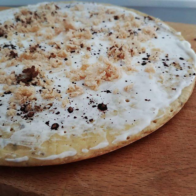 Pancake al mare 🐳🐠🐙 Preparato colomba, uova e albumi, quark. Copertura con @philadelphiaitalia active, cacao 1% e quadratini @loacker_italia sbriciolati. #pancake #preparati #tibiona #philadelphia #loacker #dukan #diet #dieta #informa #quartafase #benessere #wellness #lightfood #consapevolezza #perderepeso #ddi #dietadukanitalia #chef #cucinaproteica #cucinadulight