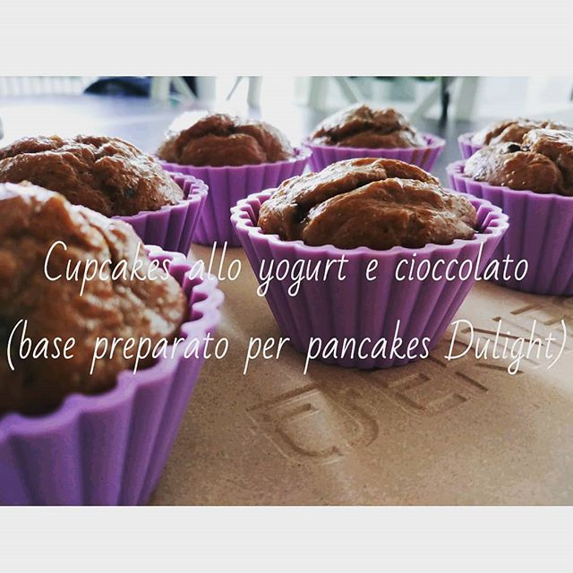 "PRONTI...PARTENZA...VIA!!!! La nuova rubrica Youtube si intitola ""Preparati Dulight"" e vi proporrà tantissime varianti bilanciate per utilizzare i nostri prodotti!😃 Partiamo con i CUPCAKES ALLO YOGURT E CIOCCOLATO utilizzando la base per Pancakes choco brownie 😍 Vedrete come ai preparati...piace cambiare! Link: https://youtu.be/UyH-mYc9utk #preparati #dulight #tibiona #cupcakes #pancakes #dolci #ricette #video #youtube #youtubechannel #chocolate #brownie #yogurt @fage #dukan #dietadukanitalia #ddi #dueta #diet #lightfood #fitness #fitfood #sport #cibosano #costanza #weightloss #dreams #job #chef #cheflife"