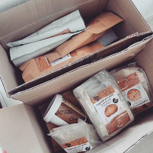 Anche in casa Dulight facciamo scorta di preparati!😁 Andiamo a sfornare qualcosina di buono...😋🍰🍒 #tibiona #dulight #preparati #dukan #diet #dieta #dietadukanitalia #lightfood #proteinfood #crusca #avena #molino @bongionatura #pizza #pane #pancakes #mugcake #jctella #torte #barrette #colomba #fitness #fitfood #chef #cheflife #job #ricette #cucinaproteica #cucinadulight