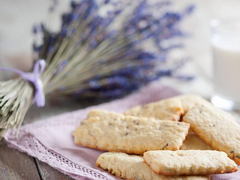 Biscotti alla lavanda di Lingueglietta