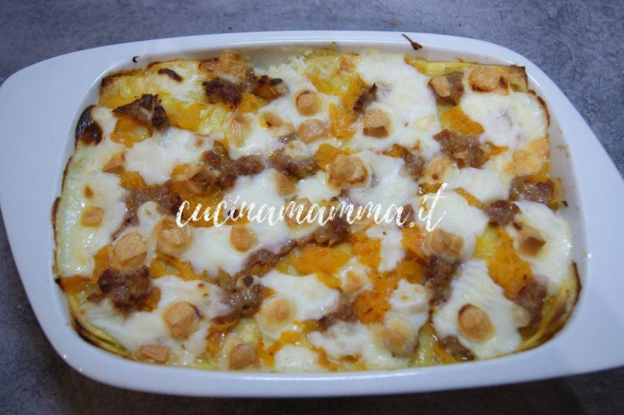 Lasagna con zucca e salsiccia