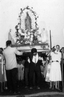 virgen de guadalupe en los años 50´s, procesion de diciembre en el carmelo zona 7