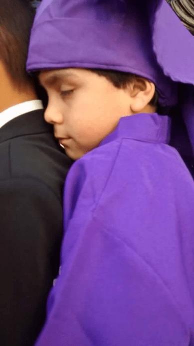 12 Cucuruchito Cargando Procesión. Jose Perez