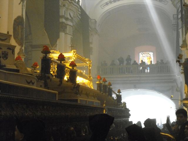 andas-procesionales-senor-sepultado-de-santo-domingo-2