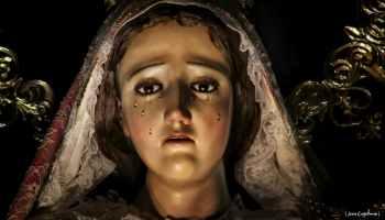 imagen de la virgen dolorosa del calvario reina de la paz