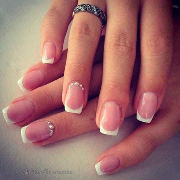 A Simple Yet Pretty French Manicure For Short Square Nails