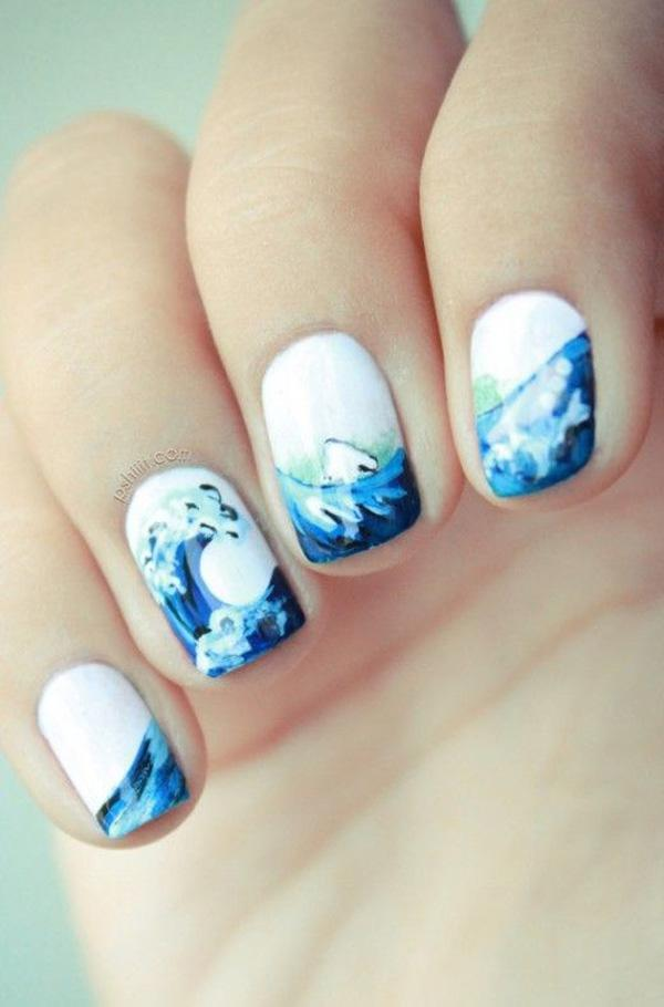 Cool And Wavy Summer Nail Art Design This Rather Simplistic Bines White Blue