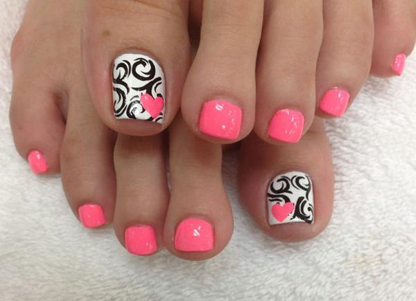 Cool Looking Pink Black And White Themed Toenail Art Design The Smaller Nails Are