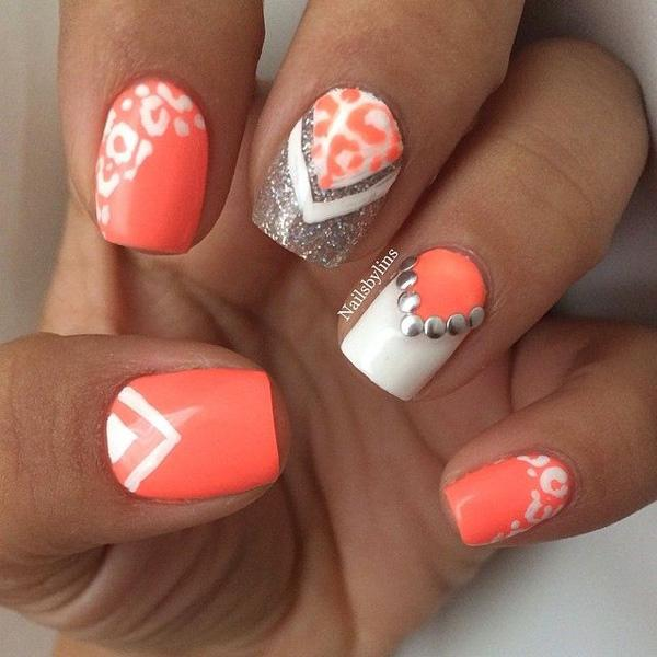 Animal Print Glitter Nail Art Design In White And Melon Polish With Tips Silver