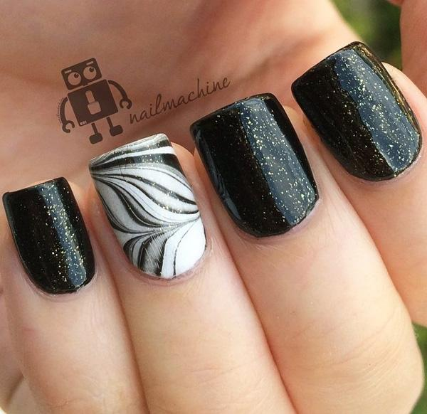 Beautiful Black Feather Nail Art Design Bined With A Sandwich Gold Glitter Paint