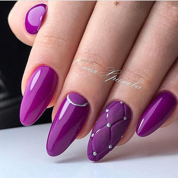 Draw On The Occasional Nails Design That Is Interesting Add A Silver Line And
