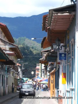 A busy street in downtown Loja.