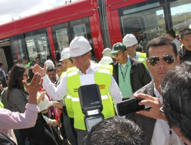 Vice President Jorge Glas on a tour of Cuenca tram system on Tuesday.