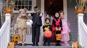 Kids ready for trick or treating.