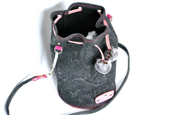 Bolso saco en negro