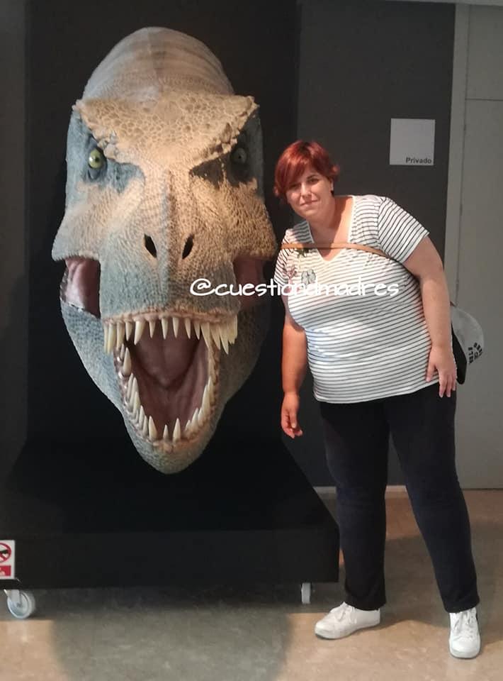 Museo de Paleontología de Castilla-La Mancha. Cabeza gigante de dinosaurio
