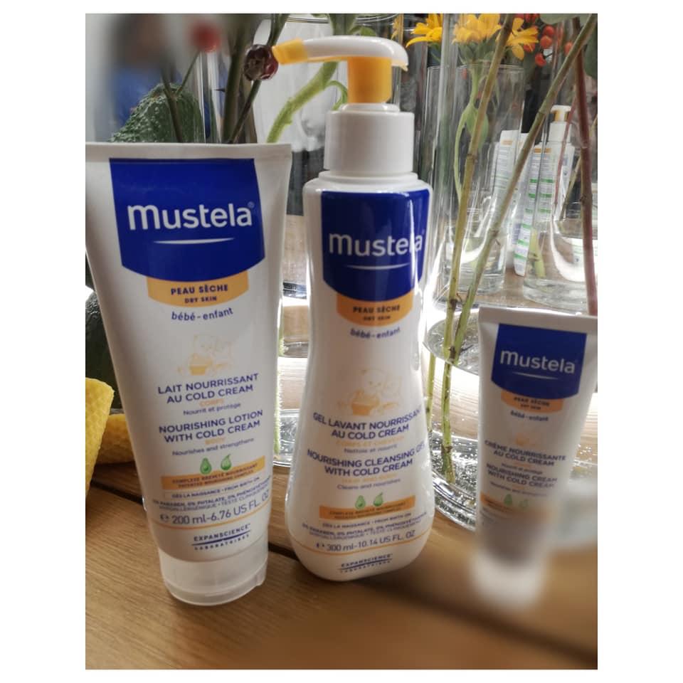 Compromisos de Mustela, gama pieles secas