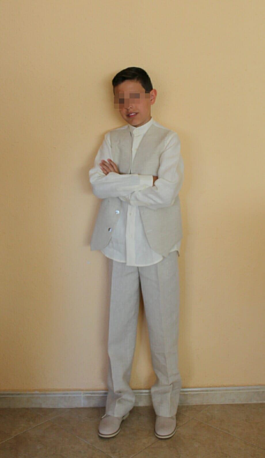 Traje de pantalón, camisa y chaleco de lino para la Comunión de mi mayor