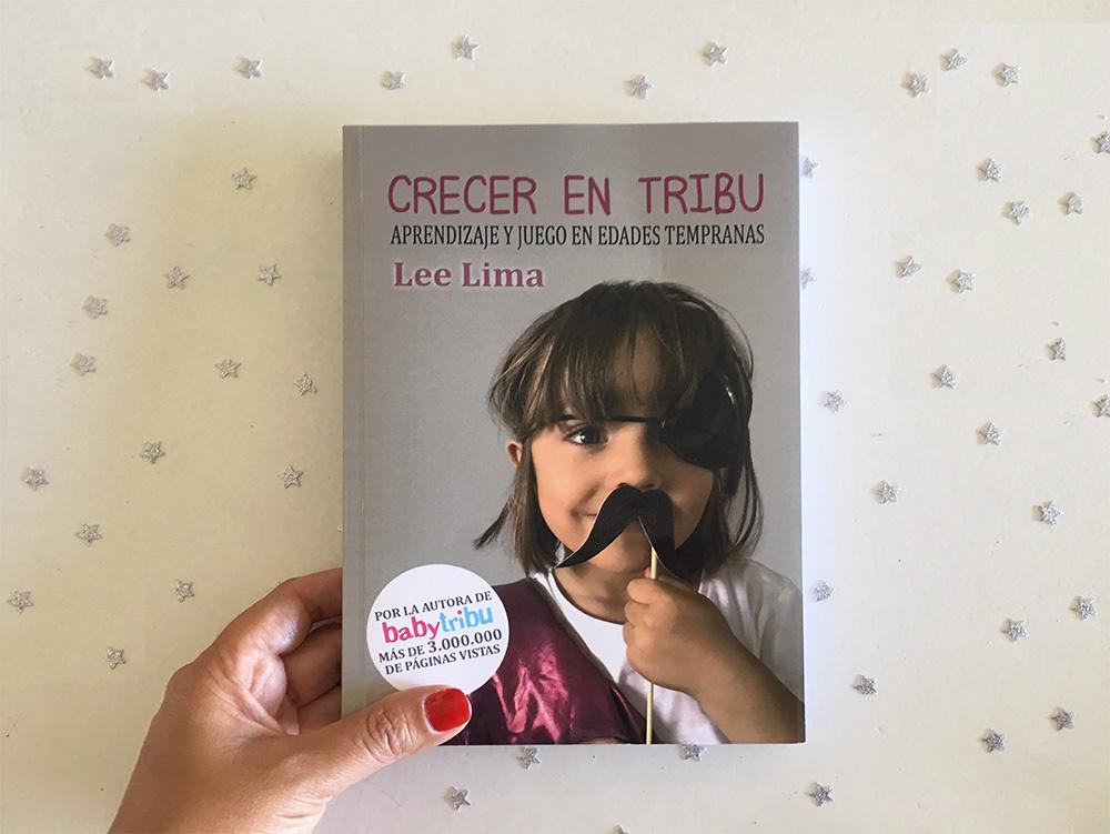 Crecer en tribu es otro de los libros escritos por bloggers de maternidad y paternidad