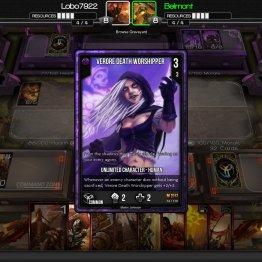 Mi oponente juega una carta muy peligrosa, La Adoradora de la Muerte de Verore, entre mas carta presencia este personaje, mas peligrosa se vuelve.