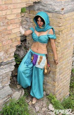 Lisa Lou Princess Jasmine Cosplay