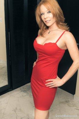 Scarlett Madison vestido rojo