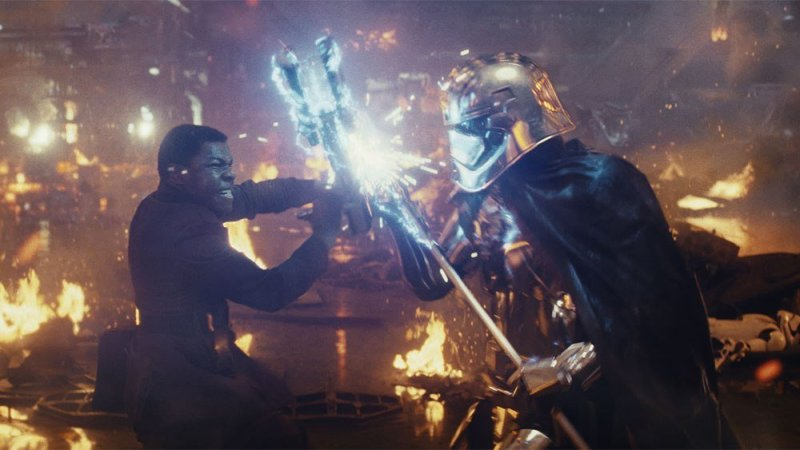 Star Wars The Last Jedi Finn vs Phasma