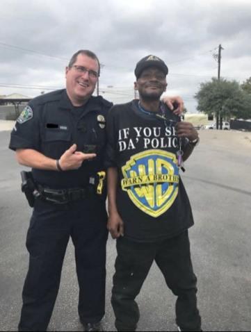 Si ves a la poli, avisa a un hermano
