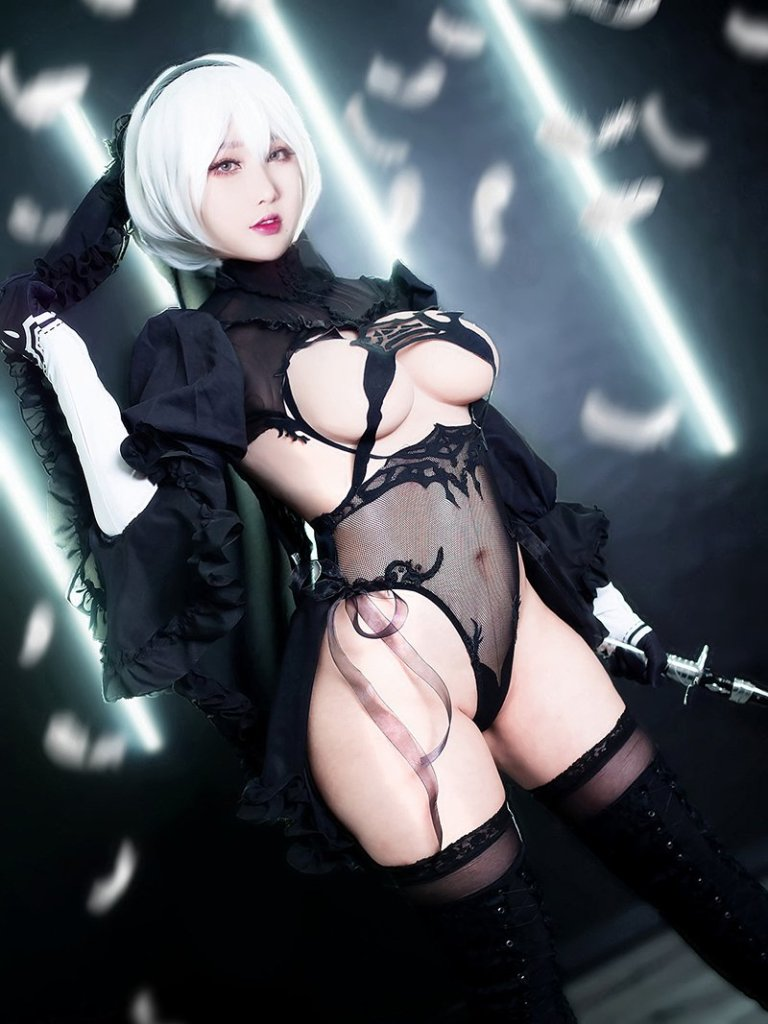 2B from Nier Automata Cosplay por RinnieRiot 3