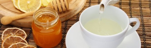 agua con limon miel
