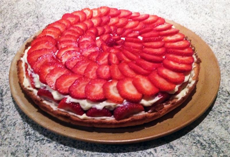 tarte fraise creme 2 - Tarte aux fraises crémeuse façon fraisier