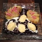 poires cuites glace vanille sauce chocolat 1 - Poires cuites, glace vanille et sauce chocolat