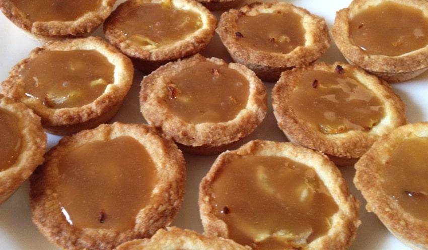 Recette de Mini-tartelettes aux pommes et caramel au beurre salé