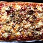 pizza jambon chorizo champignons fromage tomate 2 - Pizza jambon, chorizo, champignons, fromage, tomate